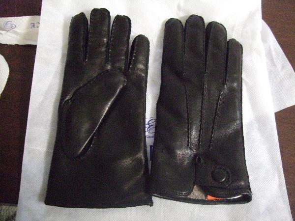 2009_1212Madovaの手袋黒0001.JPG